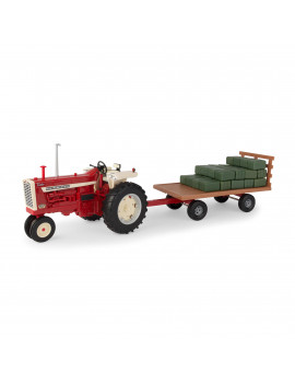 Big Farm Lights & Sounds Farmall 1:16 Scale 1206 Tractor with Hay Wagon and 36 Bales