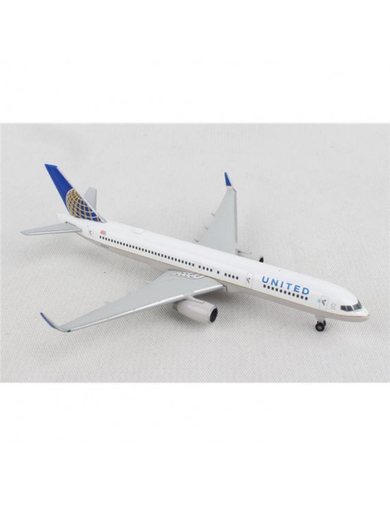 Herpa HE532846 1 by 500 Scale United 757-200 Model Aircraft